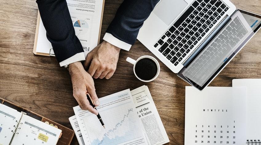 Doradca finansowy – adwokat diabła czy pomocna dłoń?